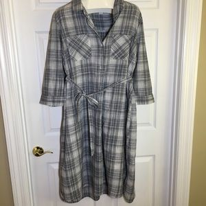 Old Navy Three Quarter Sleeved Shirt Dress